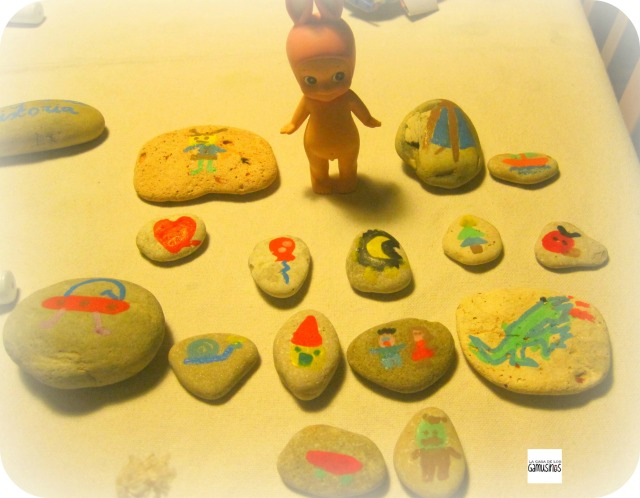 dibujos variados juego de piedras