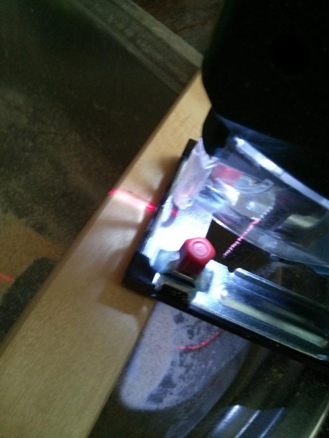 caja de fruta en revistero