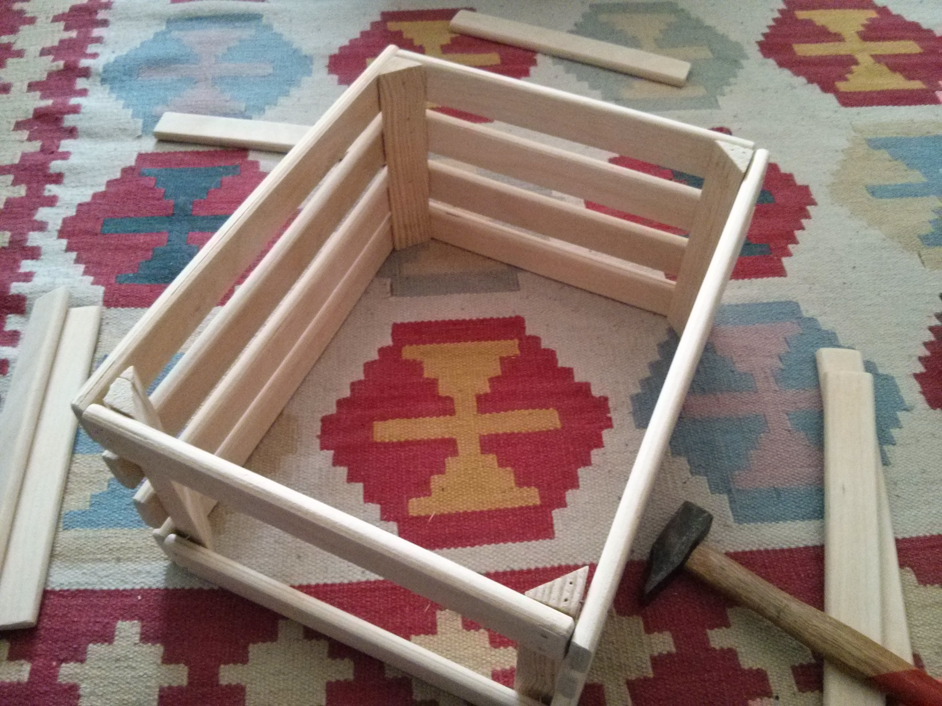 Cajas la casa de los gamusinos - Caja de frutas de madera ...