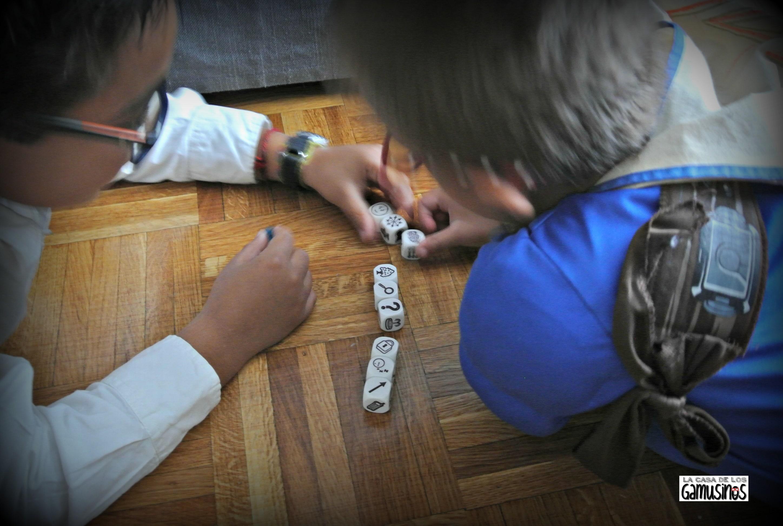 Resultado de imagen de niños jugando story cubes